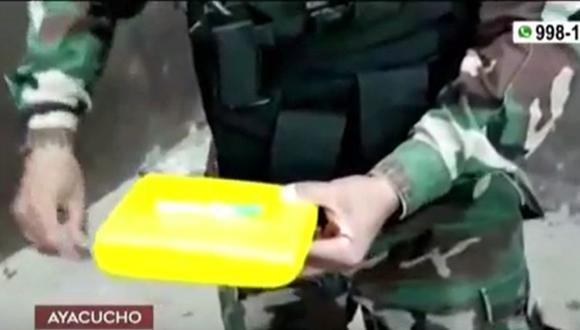 La detención de los cuatro policías ocurrió en la carretera Ayacucho-Vraem. (Captura: América Noticias)