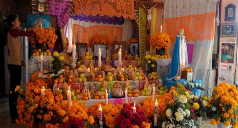 Altar en el Día de los Muertos. (Pinterest)