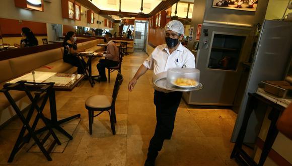 Restaurantes reabren sus puertas tras la cuarentena de Semana Santa. (Foto: GEC)