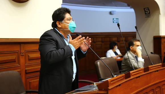 El congresista Rennán Espinoza señaló que no recibió la vacuna contra el COVID-19 del laboratorio chino Sinopharm. (Foto: Congreso)