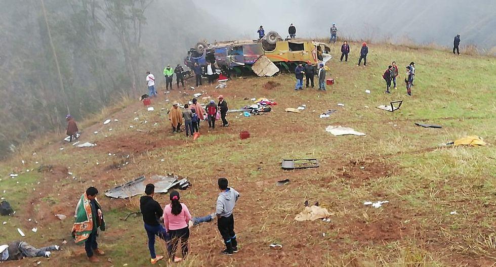 Bus interprovincial se despista, cae a abismo de 300 metros y mueren al menos 16 pasajeros en La Libertad. Foto: Difusión