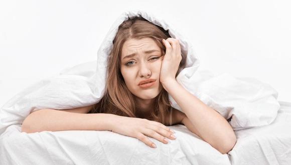Descubre por qué dormir poco hace que subas de peso.