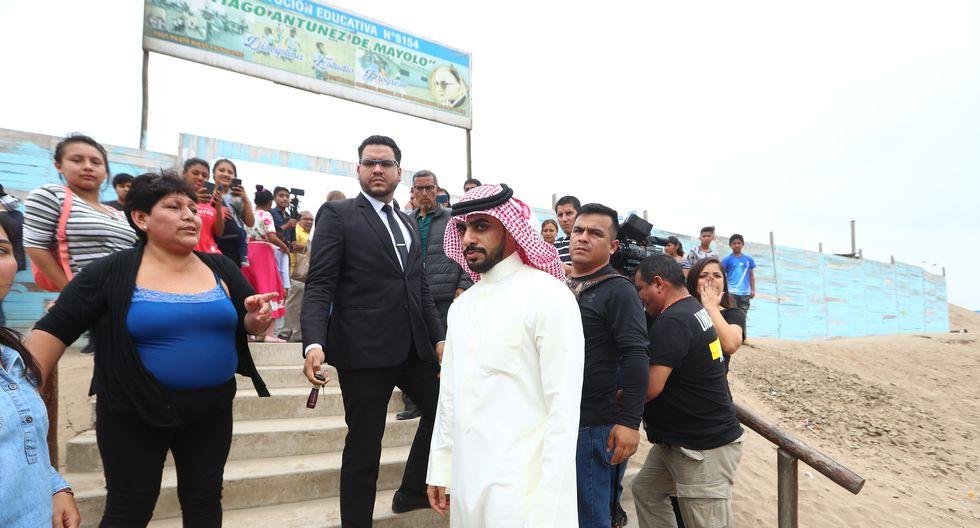 Yaqoob Yusuf Mubarak, empresario del reino de Bahrein, estuvo en el Callao y se comprometió a construir una escuela en un asentamiento de Pachacútec, en Ventanilla (Fotos: Alessandro Currarino).