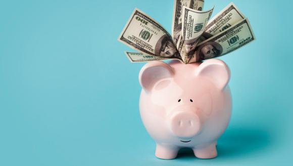 """""""Si compramos dólares sin necesitarlos, podemos generar escasez, lo que puede repercutir en su precio al alza y generar inflación"""", puntualiza Kohagura. (Foto: Getty Images)"""