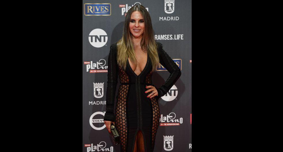 Kate Del Castillo luce tremendo escote al estilo de Jennifer López