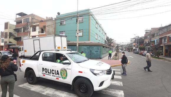 Policía cercó el lugar del hecho para iniciar las pesquisas.   Foto: Gonzalo Córdova