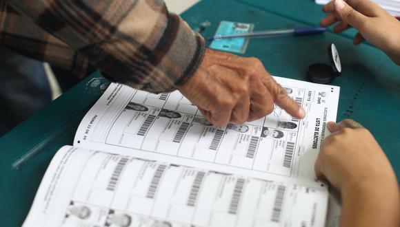 Debido a la emergencia sanitaria por el coronavirus el aforo de los centros de votación se ha reducido a menos de la mitad y el número de locales se ha cuadruplicado. (Foto: César Campos / GEC)