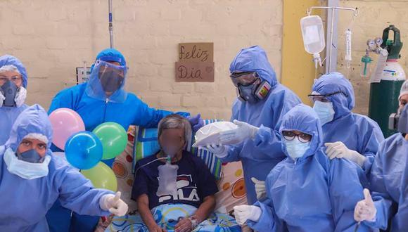 Piura: Paciente con COVID-19 es sorprendido por el personal de salud en el día de su cumpleaños (Foto: hospital Chulucanas)
