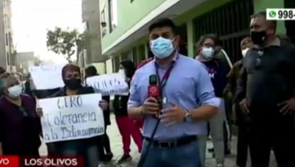 Vecinos del distrito de Los Olivos reclaman la falta de seguridad en calles del distrito, luego que hoy, 30 de septiembre, se haya registrado al menos tres robos. (Captura: América Noticias)