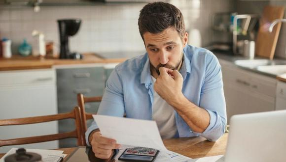 No esperes que la entidad financiera se comunique contigo ante una cuota retrasada, adelántate e infórmate de otras opciones de pago.