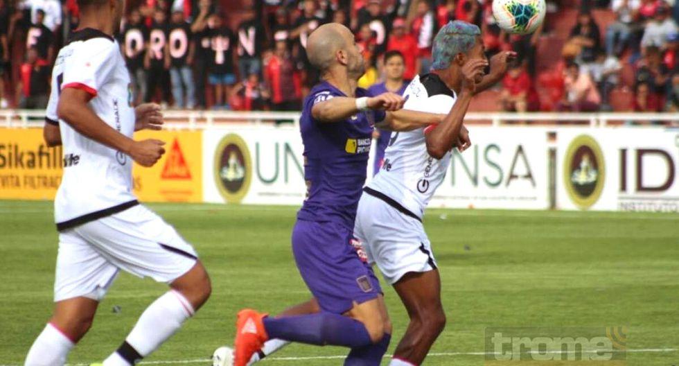 Joazhiño Arroé anota el gol del triunfo  blanquiazul en Arequipa