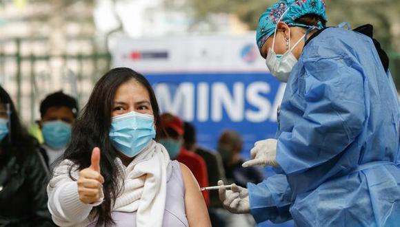 Las personas de 30 años a más ya podrán recibir su primera dosis de la vacuna contra la COVID-19. (Foto: gob.pe)