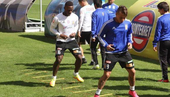 Luis Advíncula y Eduardo Vargas serán llevados con calma. (Foto: Twitter Tigres)