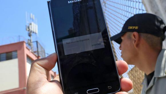 Ante la pérdida repentina del servicio móvil, usuarios deben contactar a la empresa operadora de forma inmediata. Foto: referencial/Andina
