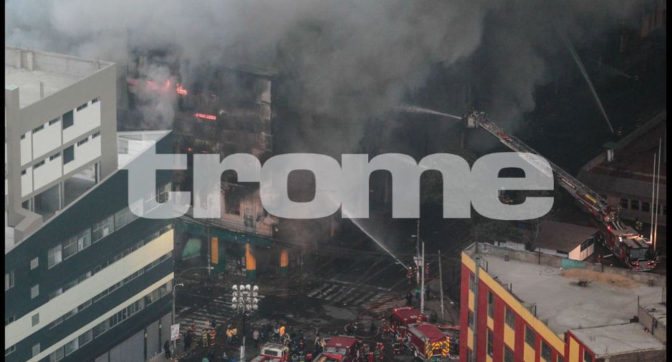 Víctimas de contenedores aún no han podido ser rescatadas tras 35 horas de iniciado el incendio.