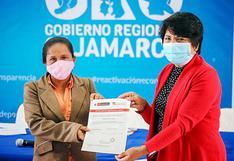 Cajamarca: Mamita sacó adelante a sus dos hijas trabajando como albañil