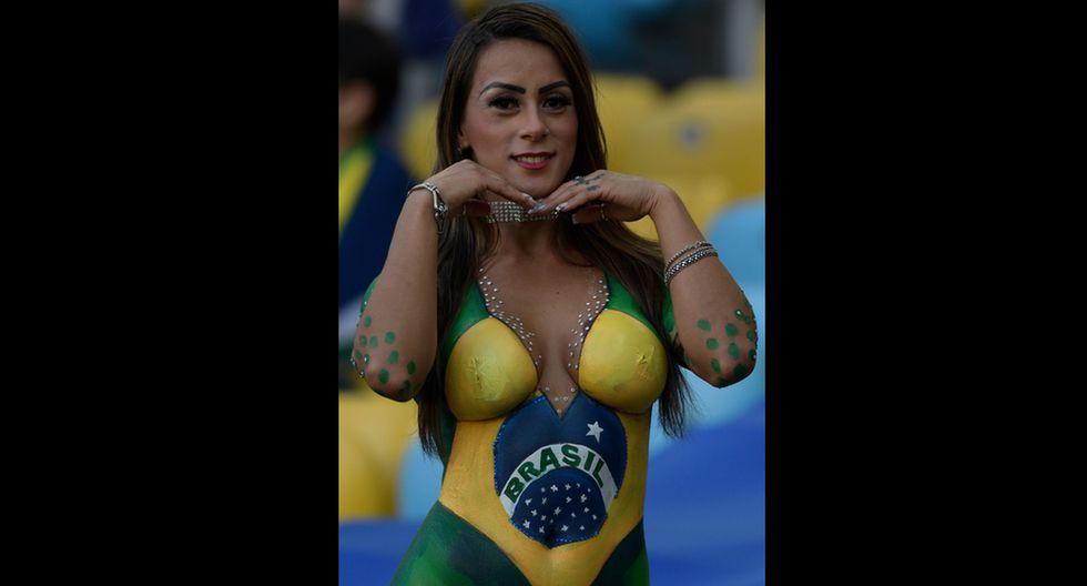 Mujer con el cuerpo pintado llamó la atención de todos en el Maracaná previo al Perú vs. Brasil