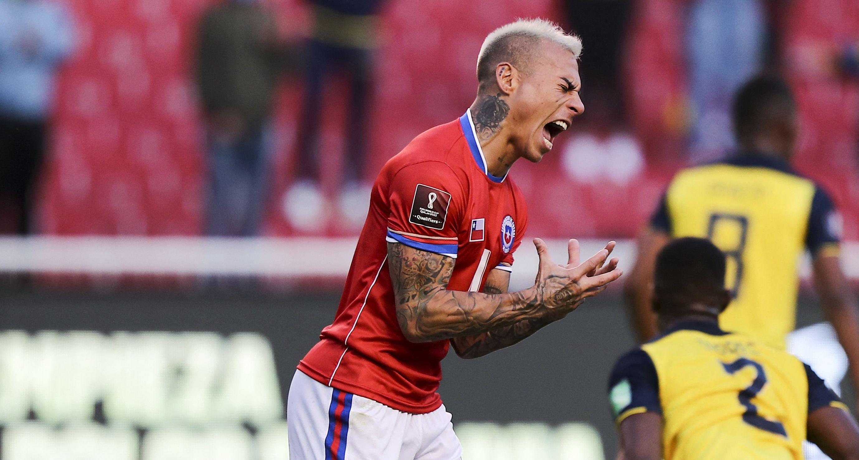 Vidal también será baja contra Perú por acumulación de amarillas. (Foto: AFP)