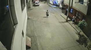 El Agustino: El momento en el que 'Garrapata' es acorralado por delincuentes en su propio barrio