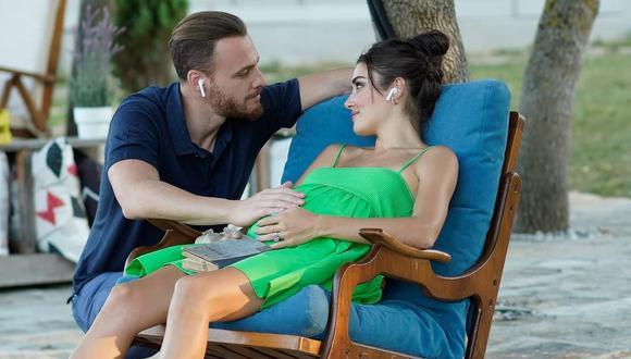 Serkan (Kerem Bürsin) y Eda (Hande Erçel) en la producción otomana. (Foto: MF Yapım)