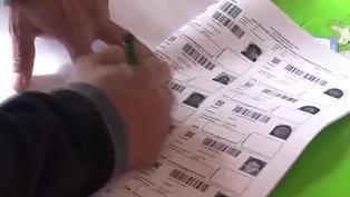 Tranquilidad y largas filas marcaron la jornada electoral en Bolivia