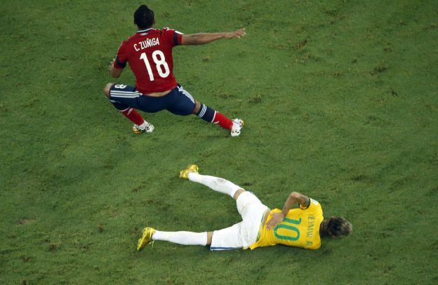 Neymar se perdió lo que restó del Mundial de Brasil 2014. (Foto: AFP)  FBL-WC-2014-MATCH57-BRA-COL