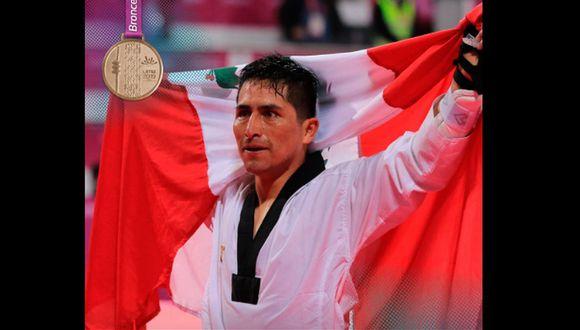 Fernández celebró su logro en el Polideportivo del Callao. (IPD)