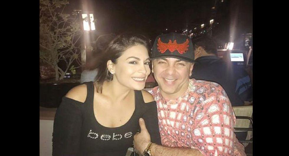 Evelyn Vela se la pasa bien con Cristian Castro.