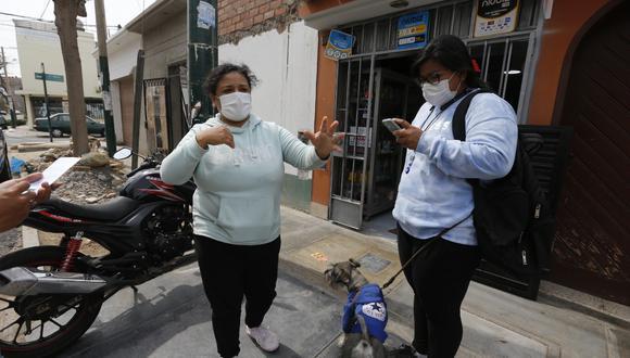 Propietarias de bodega fueron tras los delincuentes y los atraparon, en Surco. | Foto: Violeta Ayasta