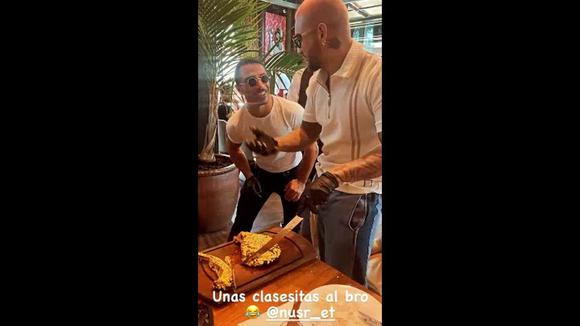 Maluma junto al chef Salt Bae