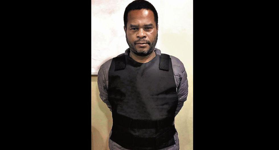 'Negro Julio' es acusado de clonar tarjetas y robar 57 mil dólares a exjugador crema.