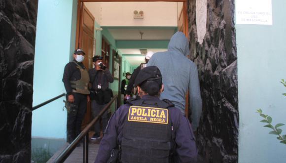 Arequipa: Celoso le corta el cuello a su pareja con un cuchillo y mujer se negó a denunciarlo.